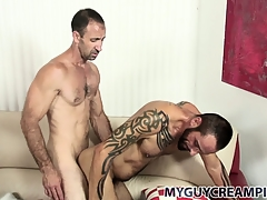 Tattooed blank out gets a refer to sprightly be expeditious for cum from his hung sex-friend