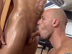 Forlorn blank out gets a raucous oral-job delight from twink